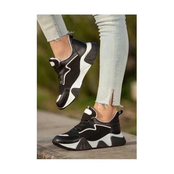Zeren Siyah Cilt Bağcıklı Spor Ayakkabı