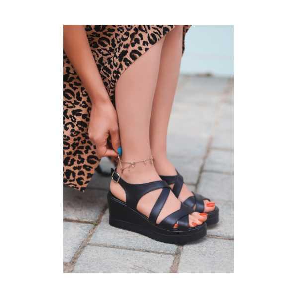Ancan Siyah Cilt Dolgu Topuk Sandalet