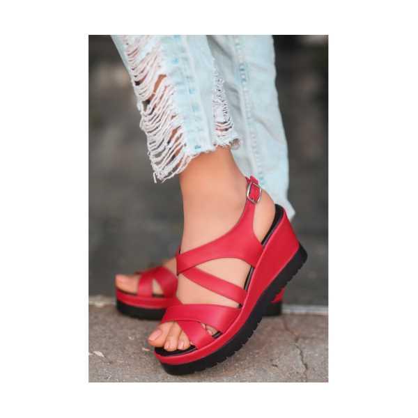 Ancan Kırmızı Cilt Dolgu Topuk Sandalet