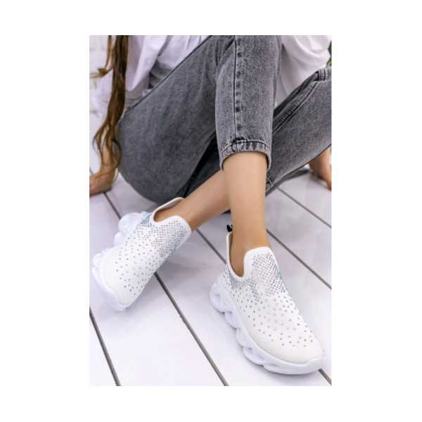 Oleje Beyaz Boncuklu Spor Ayakkabı