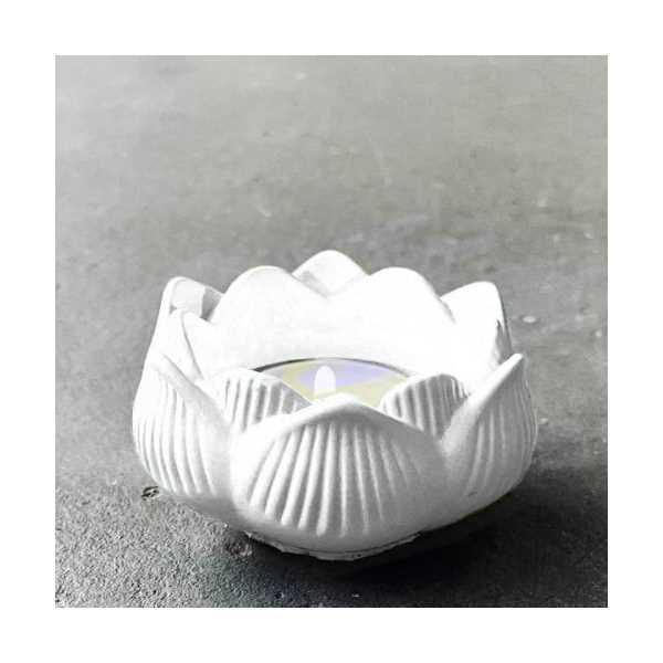 Lotus Çiçeği Dekoratif Mumluk 3'lü Beyaz