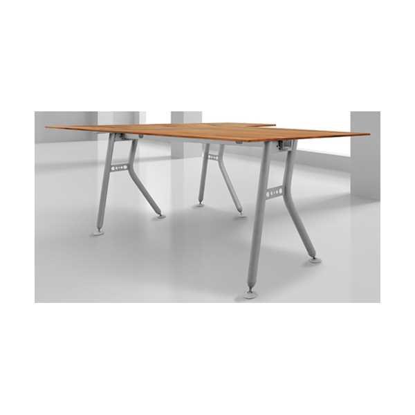 Metal Ayaklı Ofis Çalışma Masası 139x139 cm Ahşap Tablalı