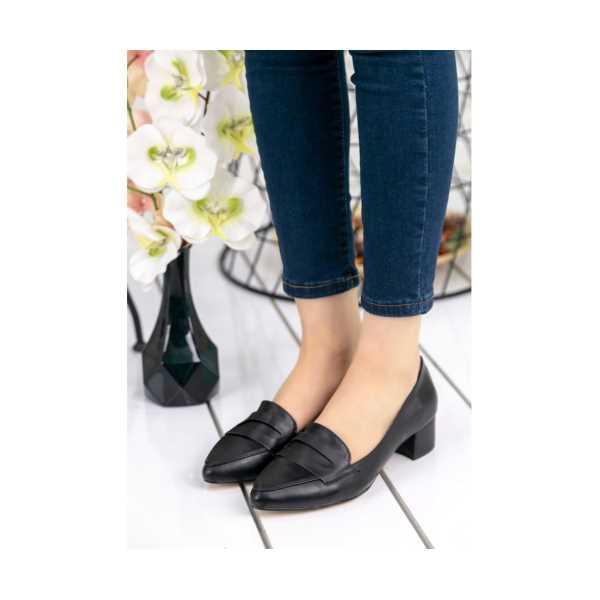 Vemli Siyah Cilt Topuklu Ayakkabı