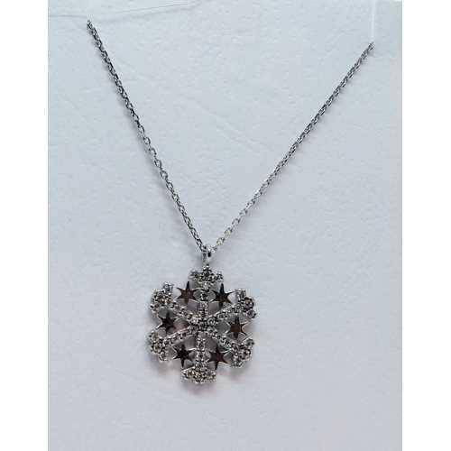 Araları yıldız bezeli kar tanesi kolye 925 ayar gümüş