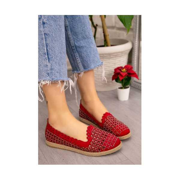 Teksi Kırmızı Süet Boncuk İşlemeli Babet Ayakkabı